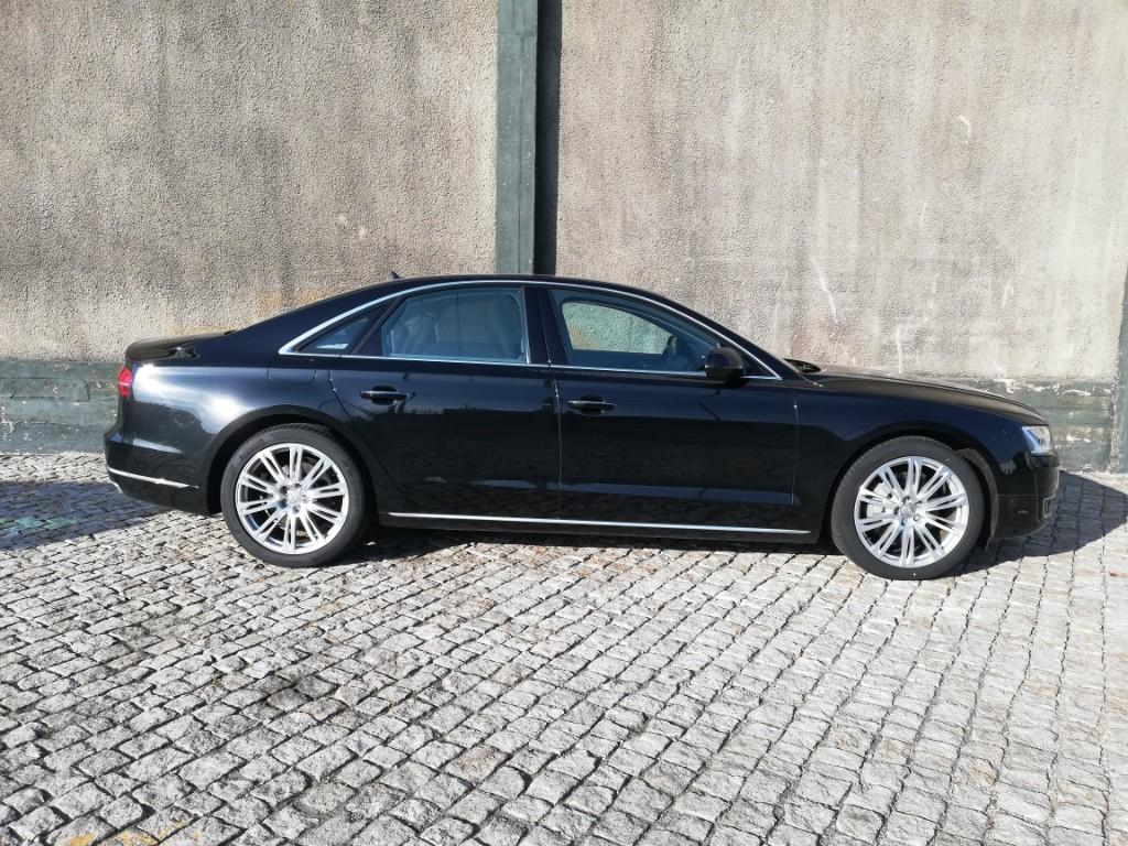 ALUGUER Audi A8 Algarve