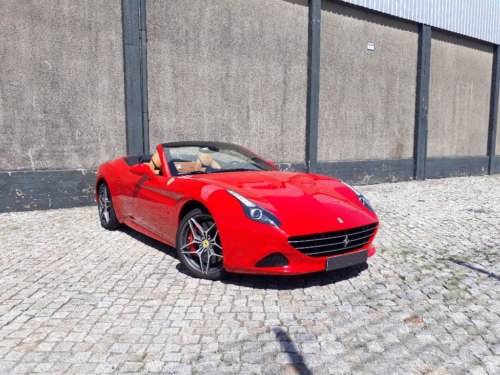 FERRARI CALIFORNIA TURBO - ALUGUER